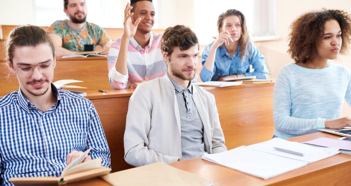Osoby studiujące podyplomowo