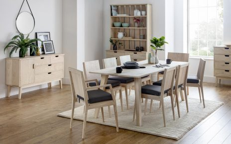 Stół skandynawski w salonie