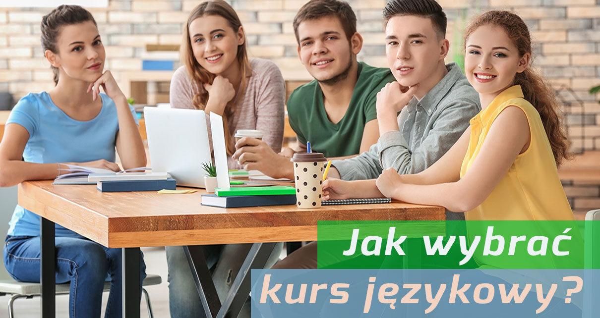 uczniowie kursu językowego