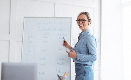 nauka stacjonarna w szkole językowej