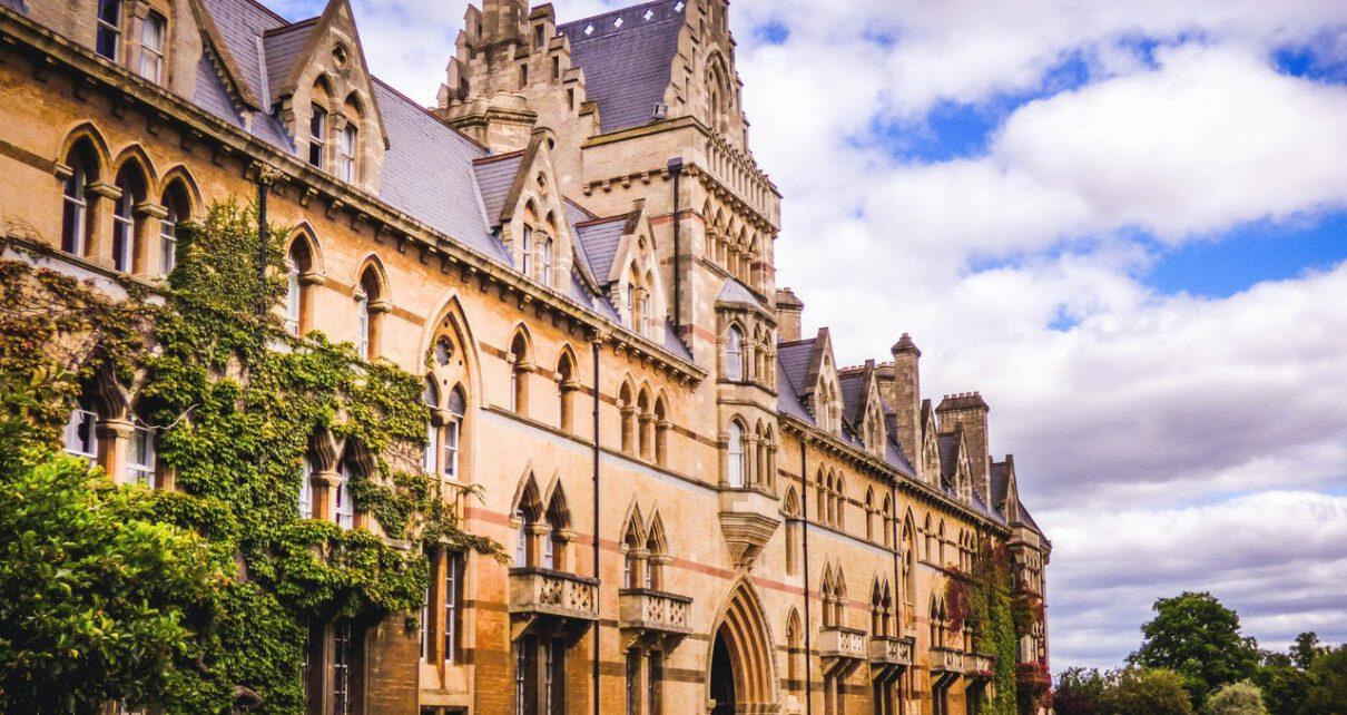 Uniwersytet Oksfordzki jako najlepsza uczelnia w rankingu