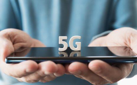 Smartfon korzystający z sieci 5G