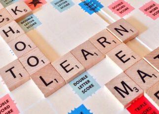 Nauka języka angielskiego w szkole językowej.