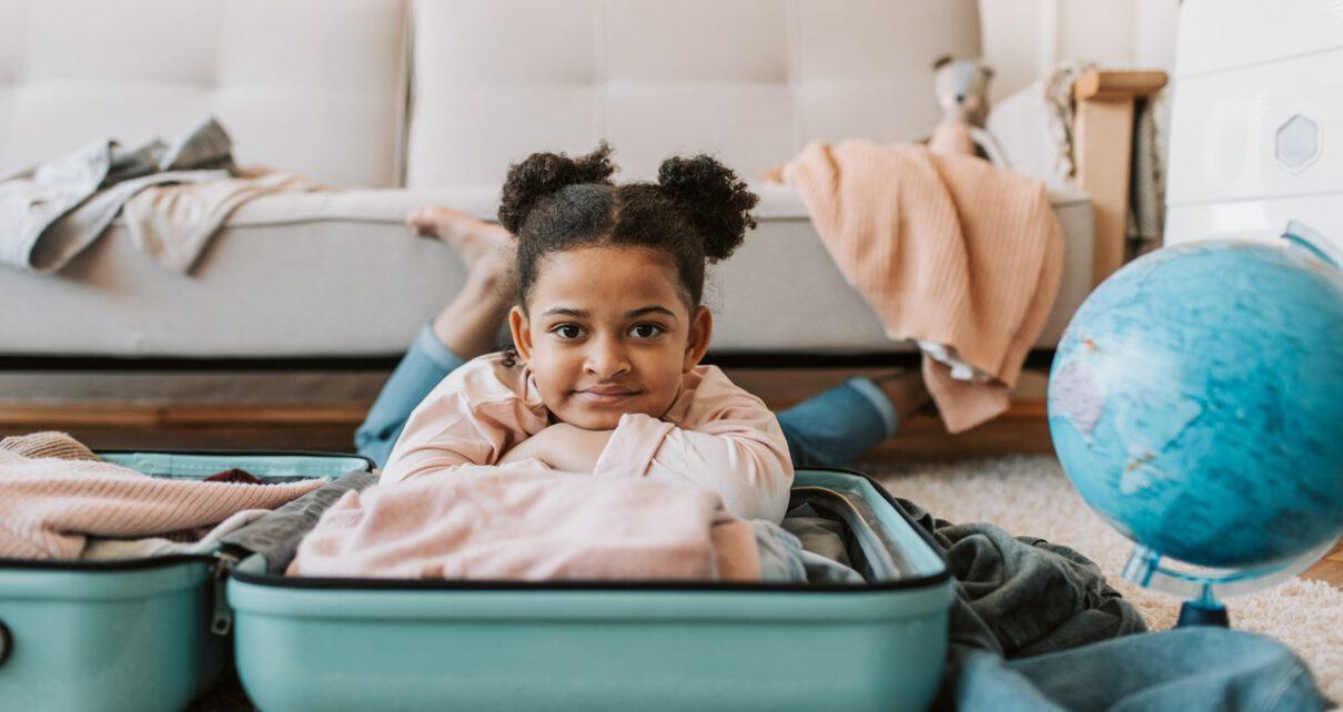 Pakowanie dziecka na wyjazd za granice.