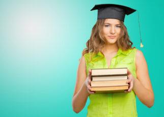 Młoda kobieta wybierająca się na studia do USA