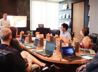 Zebranie w biurze